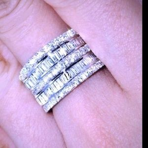 Stunning CZ & 925 Sterling silver band. 5 in 1
